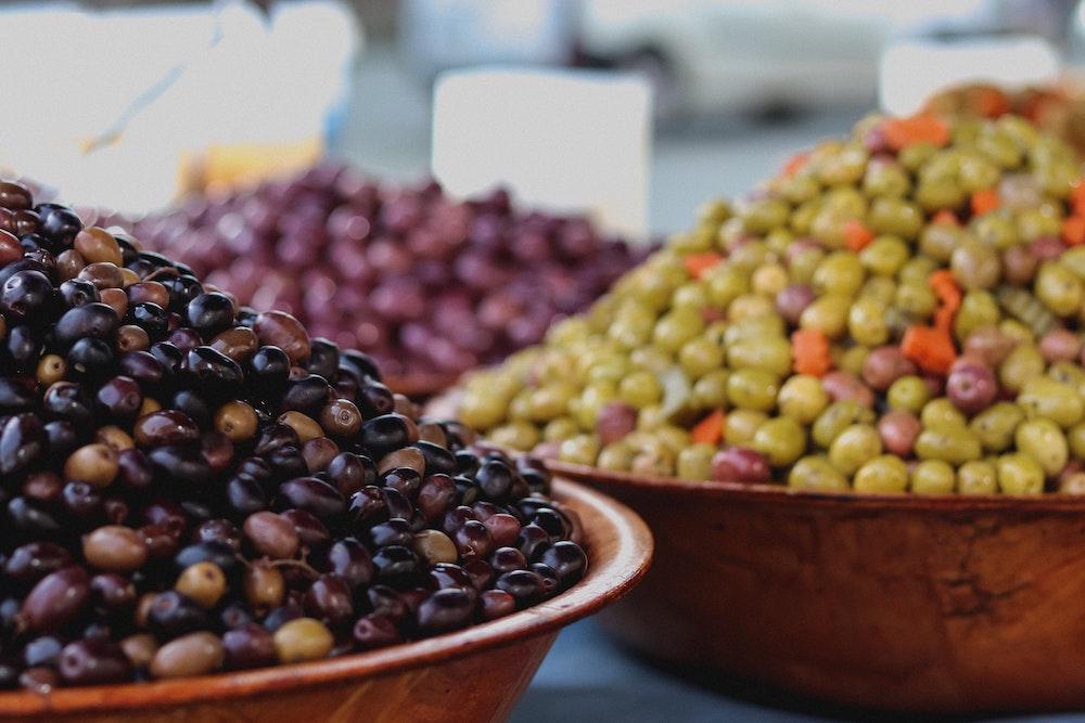 トマトに含まれるリコピンはオリーブオイルと相性が良い!?さらに、ニンニクと玉ねぎでさらに吸収率がアップ!!