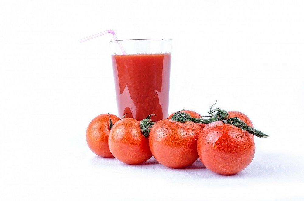 トマトジュースは体に良い?メリットについて